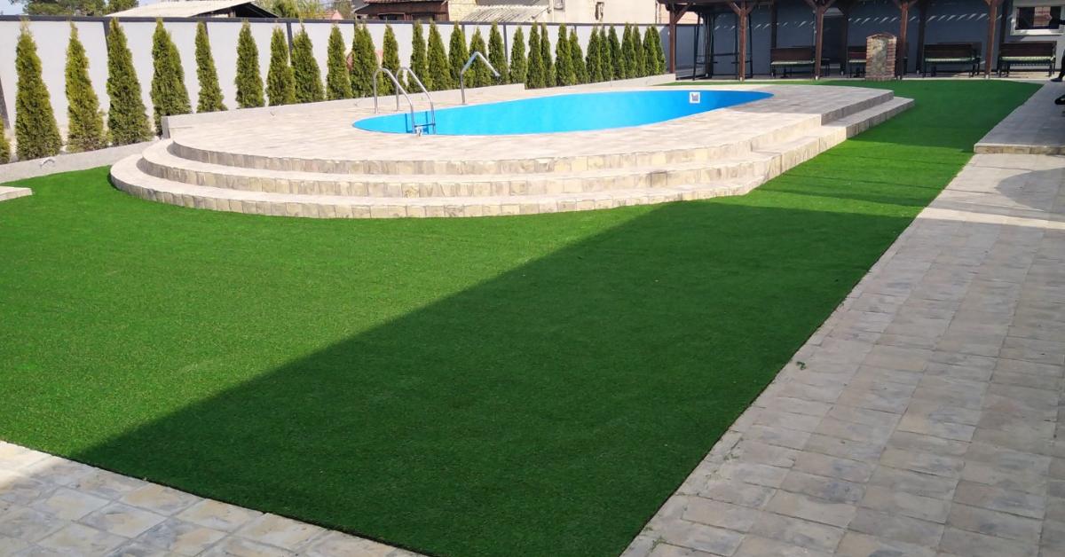 Veštačka trava oko bazena - Ambient podne obloge